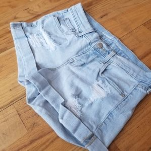 OLD NAVY GREAT COND DISTRESS BLUE JEAN SHORT SHORT